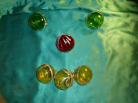 alter Christbaumschmuck 6 Weihnachtskugel Glas rot gelb grün transparent Vintage
