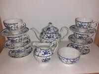 VINTAGE JOHNSON BROS INDIES BLUE WHITE TEA POT SET 6 CUPS & SAUCERS SUGAR CREAM