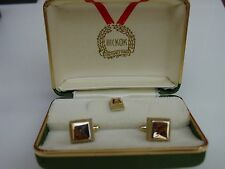 Hickok gold tone square cufflinks and tie tack