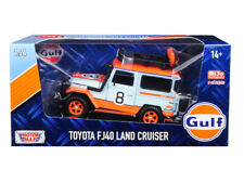 """Toyota FJ40 Land Cruiser #8 """"Gulf Oil"""" White Limited Edition to 2,400 pieces Wor"""