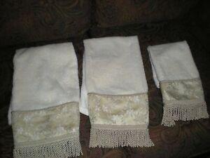 LOT OF 3 CROSCILL HOME DECORATIVE TOWELS - HAND TOWELS & FINGERTIP TOWEL
