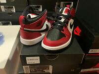 Nike Air Jordan 1 Retro Mid Chicago Bred Toe PS size 13C 640734-069 Kid size New