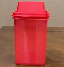 TUPPERWARE Small Pick-A-Deli Container