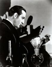 *BASIL RATHBONE AS SHERLOCK HOLMES WITH MAGNIFYING GLASS PHOTO*