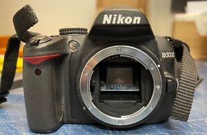 NIKON D3000 10.2MP DIGITAL SLR DSLR CAMERA BODY ONLY - 17,297 SHUTTER COUNT!!