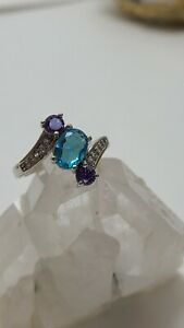 Gorgeous Blue Topaz w Amethyst Round 3-Stone Stamped 925 Ring, SIZE 7