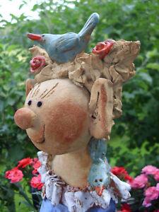 Elfe Ylvi  mit Piepmatz Unikat aus Keramik Skulptur Handarbeit Rosenkugel