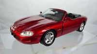 Welly Jaguar XK 8 1:24 Rare Collectible Red Diecast Toy Model Car