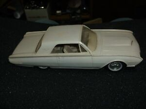 VINTAGE 1961 FORD THUNDERBIRD SHOWROOM MODEL