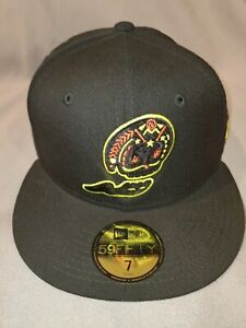 WEST MICHIGAN WHITE CAPS NEW ERA 59 FIFTY MINOR LEAGUE BLACKOUT FITTED MEN HAT 7