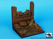 Blackdog Models 1/35 WALL WITH SANDBAGS Resin Display Base