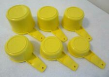 VINTAGE Tupperware 6 PC MEASURING CUP SET Yellow GRADUATED Complete Set