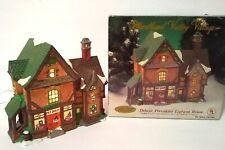 Heartland Valley Village Lighted House Pet Shop, Christmas