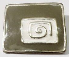 broche rétro rectangle émail beige et gris bijou vintage couleur argent  /190