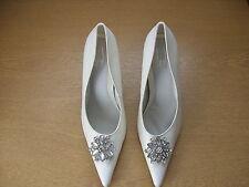 Ladies Court Shoes Cuba white size UK 6, EU 39, jewel broach detail 3170