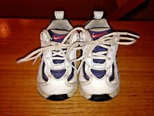 NIKE white blue red baby shoes size 5.5c 5.5