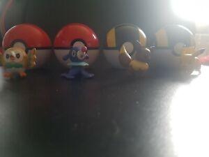Pokemon Clip N' Carry Pokeballs with 4 pokemon including pikachu