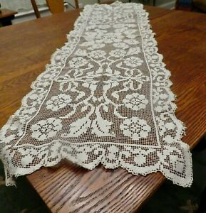 """Filet Lace Table, Buffet Mantle Runner Dresser Scarf Flowers Bows 18 x 52"""" LONG"""