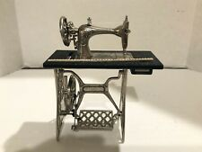 Vintage SEWING MACHINE Dollhouse Miniature 1:12 Very Detailed 1 Inch Scale