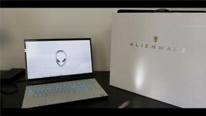 "Alienware M17 R2, Gaming Laptop, New Condition, Unused, 17"", Lunar Light"