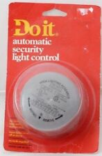 Do it Electric Photocell Lamp Control,No 505590,  Don Ell Corp