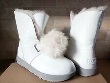 UGG ISLEY PATENT LEATHER WHITE WATERPROOF POM POM SNOW SHORT BOOTS SIZE 9 WOMENS