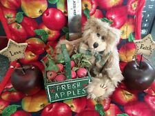 Apples and Bears Shelf Sitters