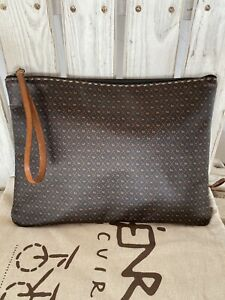 Henry Cuir Beguelin Collector Custom Made Pristine RARE Doggie leather Clutch