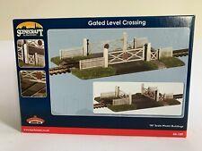 Bachmann Scenecraft 00 Gauge - Gated Level Crossing