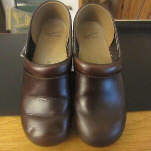 Dansko Women's Professional Brown Leather Clogs Size 40 US 9.5 - 10
