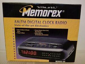 Vintage Cream color Memorex am/fm digital alarm clock radio