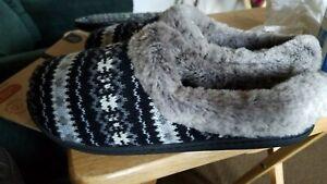New Dearfoams Women's Memory Foam Slippers Size L 9-10