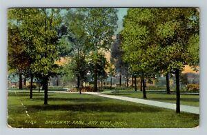 Bay City MI, Broadway Park, Vintage Michigan c1911 Postcard