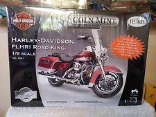 TESTORS 1/6 Scale Model Motorcycle Kit Harley Davidson Road King #7221 SEALED