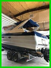 1989 Bayliner Avanti Express Cruiser 32', Very Low Hours, New SEI Outdrives