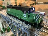 HO Scale Kato GP35 Powered DC Unit. Burlington Northern. Looks And Runs great!
