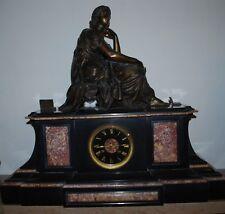 Pendule en bronze  signée Moreau représentant Sapho