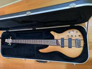 Ibanez SR705 Bass guitar with hard case