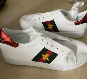 NEW PU Ladies Bee emblem trainer in White Size 4