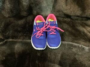 CHAMPION GIRLS Size 4.5 RUNNING SHOES Purple EUC