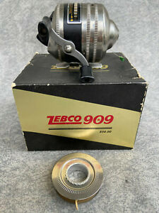 ZEBCO 909 Spin Cast Fishing Reel, Metal Base, NEVER USED / BOXED  *MADE IN USA*