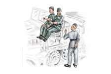 CMK F72155 1/72 German Driver and Personell for FAMO 3 fig