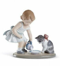 Lladro Porcelain : Kitty'S Breakfast Time (01008498)