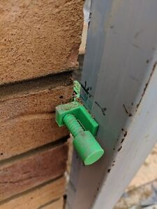 bricklaying stabilisers profile clips x2 green line clip