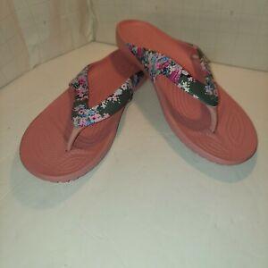Iconic Crocs Flip Flops In Light Pink W/ Grey Floral Pattern, Sz 7