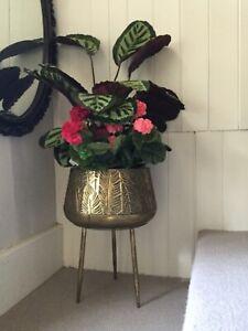 Art Deco Style Gold Metal Jardiniere Indoor Planter Detachable StrongMetal Legs