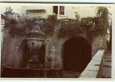 PHOTO ST Paul de Vence snapshot 1957 une fontaine place  scène de genre