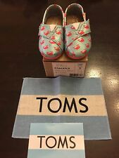 Tiny TOMS Toddler Baby Shoes Classics Whale Blue & Coral Size 5 Unisex Boy Girl