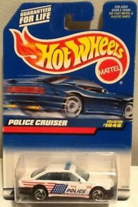 Hot Wheels 1999 First Editions #1046 Police Cruiser Car White Flag MINT