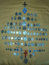 ensemble de 105  médailles religieuses